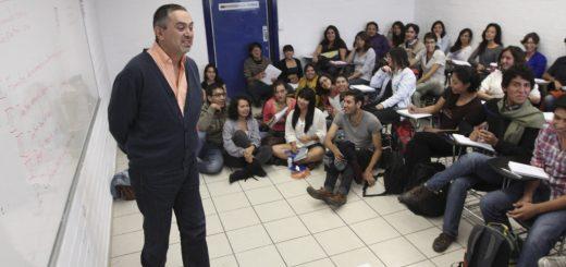 MÉXICO, D.F., 06AGOSTO2012.- 324 mil estudiantes iniciaron actividades en los planteles de nivel bachillerato, licenciatura y posgrado de la Universidad Nacional Autónoma de México. FOTO: SAÚL LÓPEZ / CUARTOSCURO.COM